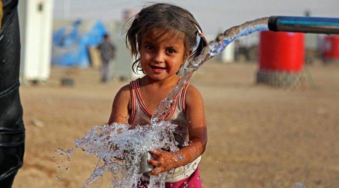 """""""Para nosotros los creyentes, el agua no es mercancía"""" (Vatican News)"""