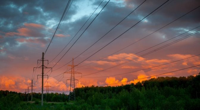 México: Pese a críticas de AMLO, otro juez suspende nueva Ley Eléctrica (Forbes México)
