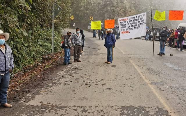 Hidalgo: Bloquean vía federal por obra de agua potable (El Sol de Hidalgo)