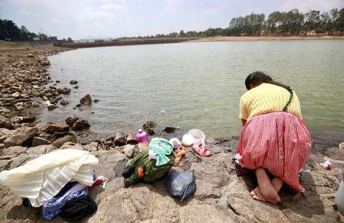 Valle de Bravo: Las presas del Cutzamala no habían estado tan vacías en al menos 20 años (La Jornada)