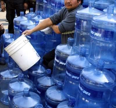 México: El meganegocio de extraer agua y venderla hasta 494 veces más cara (La Jornada)
