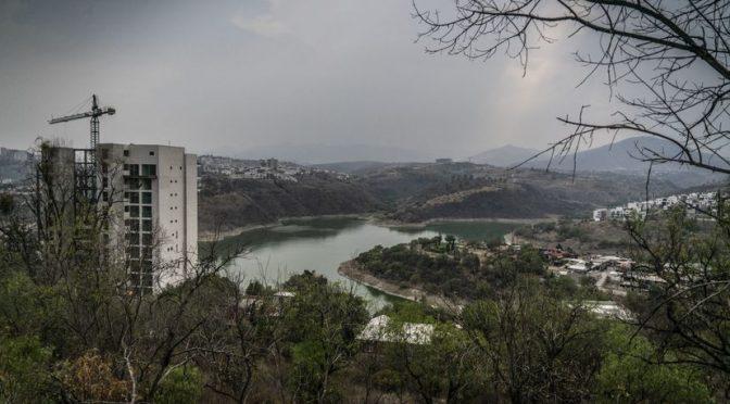 Las alternativas para paliar la crisis del agua en Ciudad de México amenazan a otras comunidades (El País)