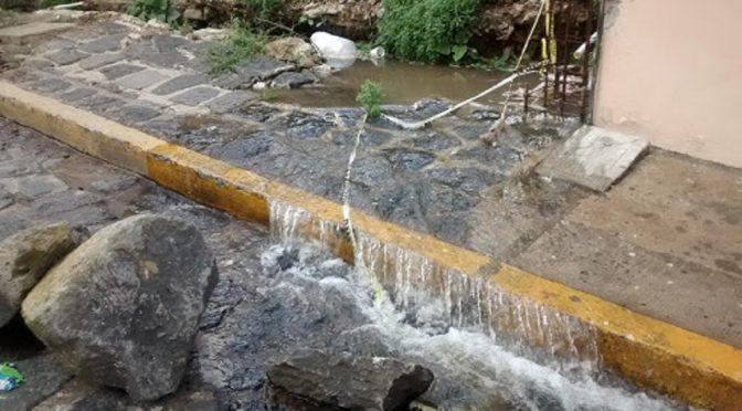 CDMX: Se pierden hasta 12,600 litros de agua potable por segundo (El Comentario)