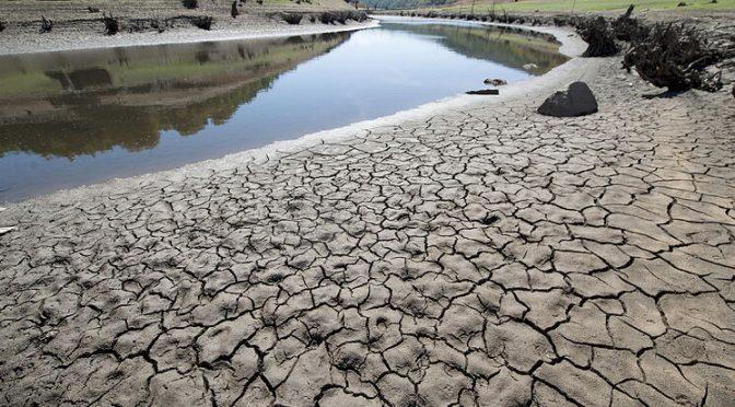 EL MUNDO analiza los problemas de acceso al agua potable y sus soluciones (El Mundo)