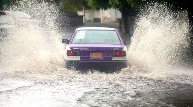 Estado de México- Ante sequía llaman autoridades mexiquenses a captar agua de lluvia en azoteas (La Prensa)