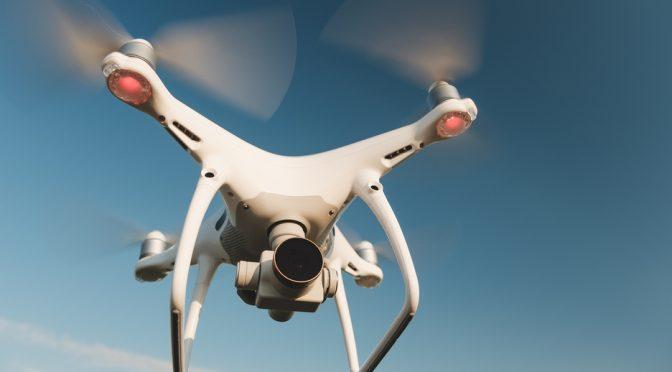 Emiratos Árabes Unidos: Drones 'siembran' electricidad en las nubes para provocar lluvia ante sequías (Milenio)