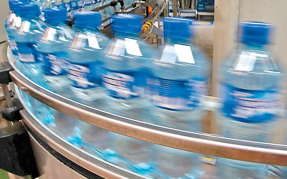 Tamaulipas- Compras de pánico de agua embotellada causará escasez: AC (Milenio)