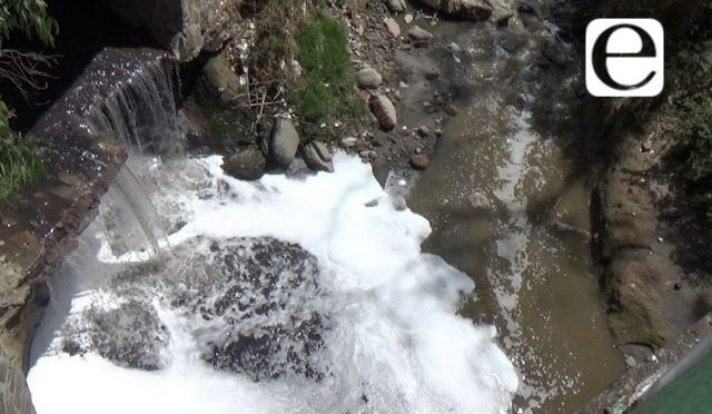 Puebla: Agua que descargan las textileras al río Alseseca lleva cólera (E-consulta)
