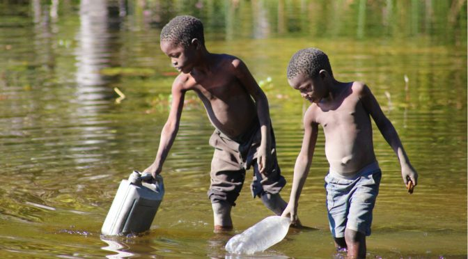 Erradicar el trabajo infantil también es cuestión de agua (El Ágora Diario)