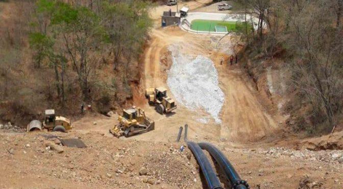 Sinaloa-Realiza Conagua muestreos en arroyo el Cajón, por denuncias de presunta contaminación minera (Excelsior)