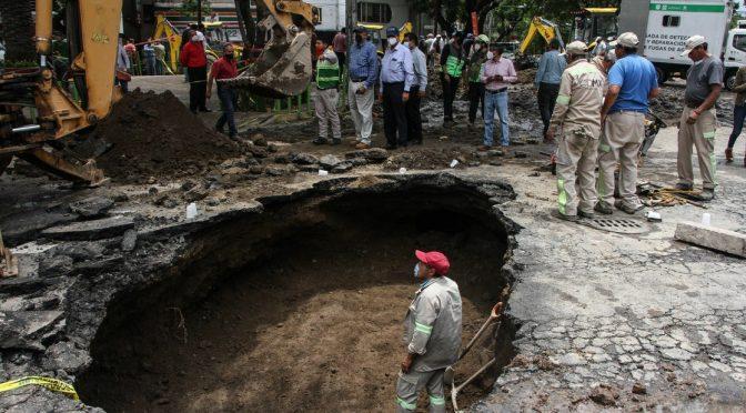 CDMX – Concluye reparación de fuga de agua en Avenida Miramontes (La Jornada)