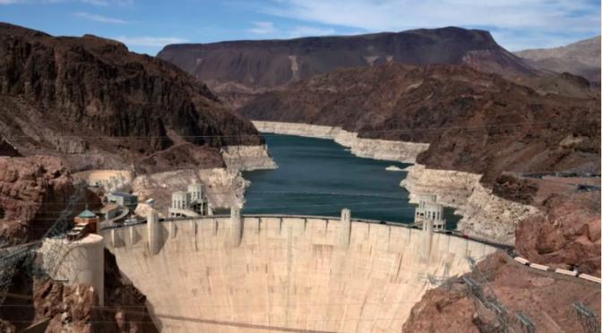 Internacional-Estados Unidos declara escasez hídrica histórica en el lago Mead, que también abastece a México (El Economista)