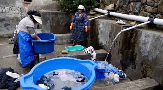 Bolivia – Para las mujeres bolivianas, el agua es fuente de vida… y de desigualdades persistentes (iAgua)