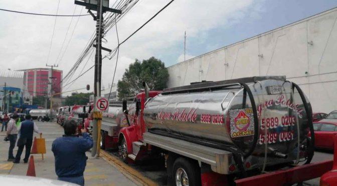 EDOMEX – Piperos bloquean la vía Adolfo López Mateos; denuncian cobros irregulares (La Silla Rota)