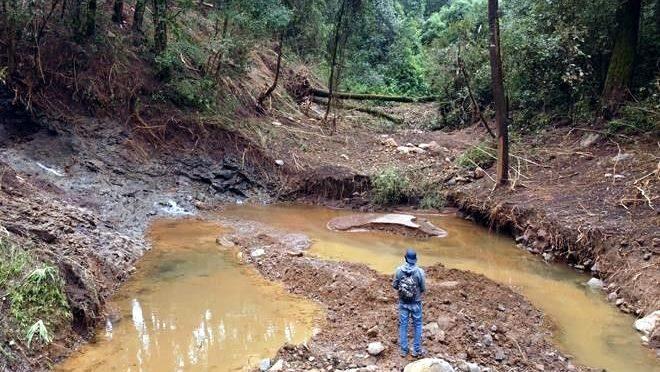 Estado de México- Causa daños colapso de lago artificial en Valle de Bravo (Reforma)