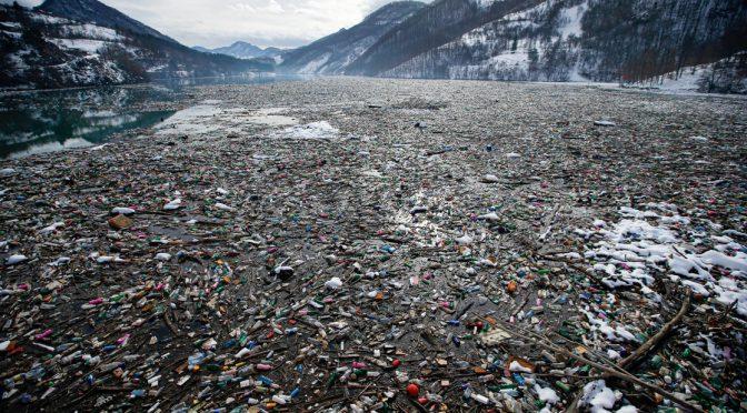 Mundo – Uso de filtros, opción ante contaminación por agua embotellada (La Jornada)