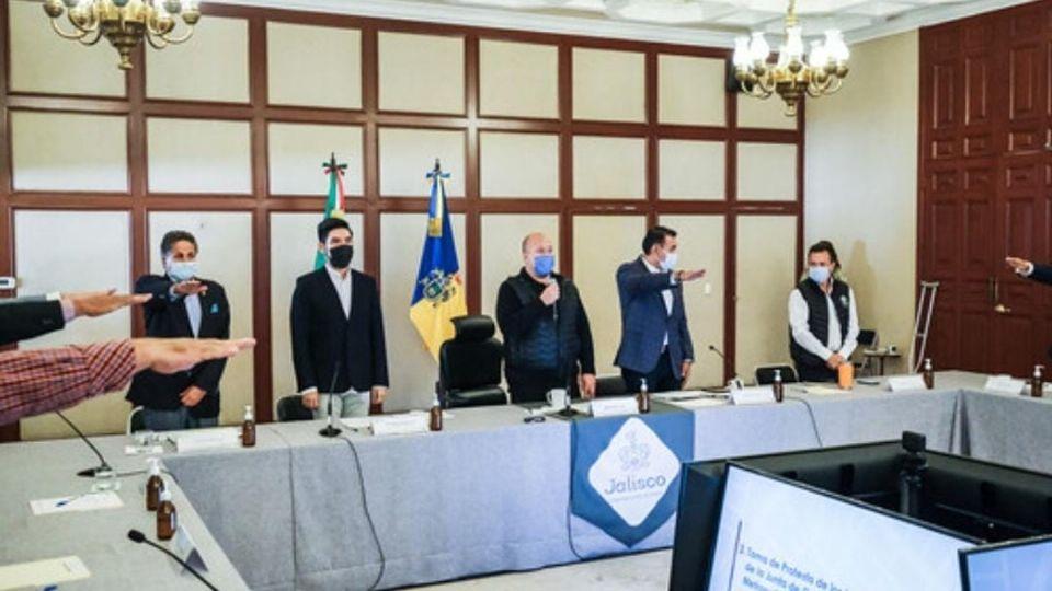 Jalisco-Gestión del agua y movilidad, temas que se priorizarán en la Junta de Coordinación Metropolitana, afirma Enrique Alfaro (El Heraldo de México)